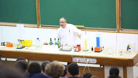 מופע ניסויים בכימייה